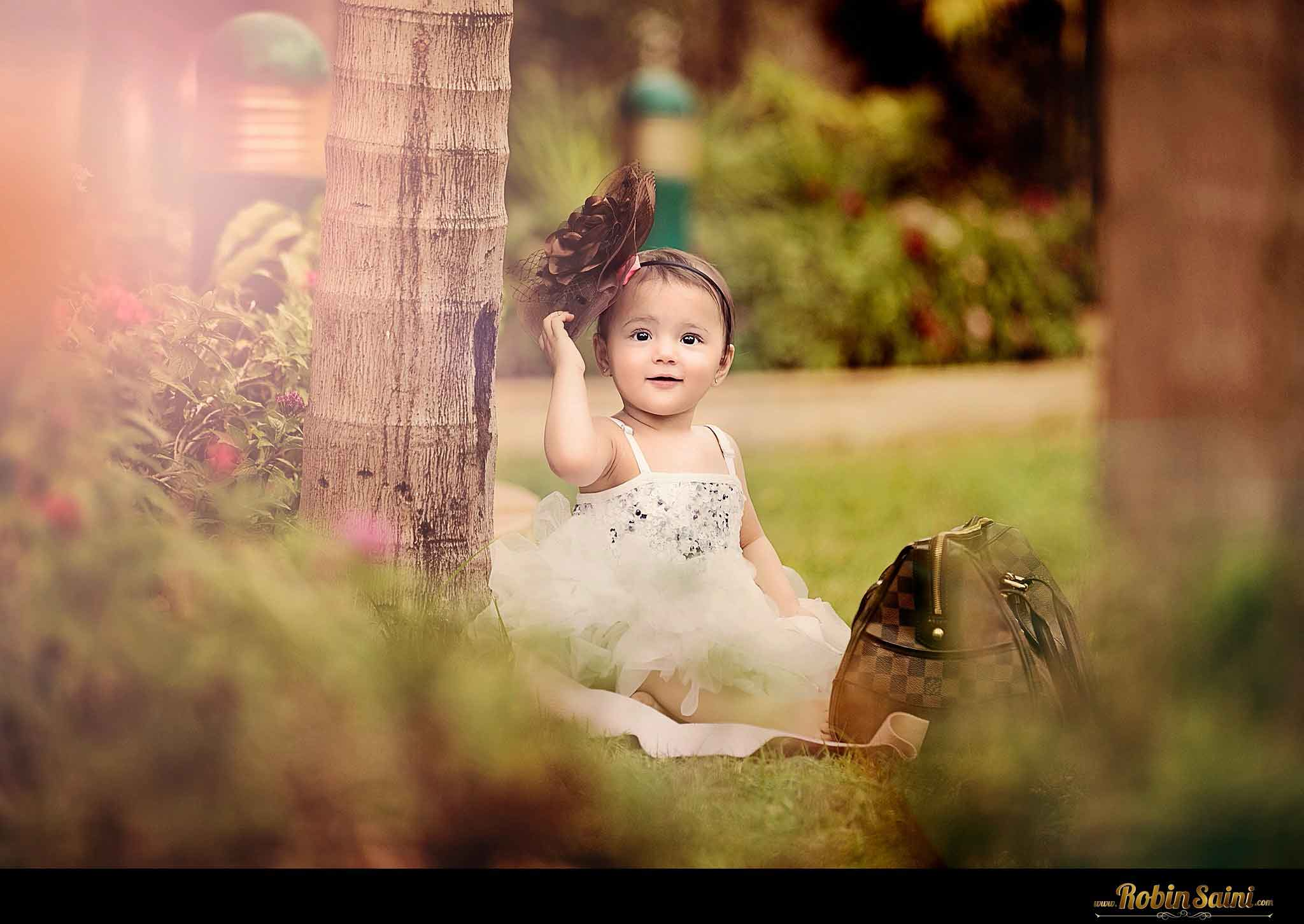 super cute baby girl photoshoot pics.