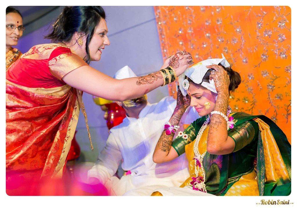 best-haldi-pics-maharashtrian-wedding_064