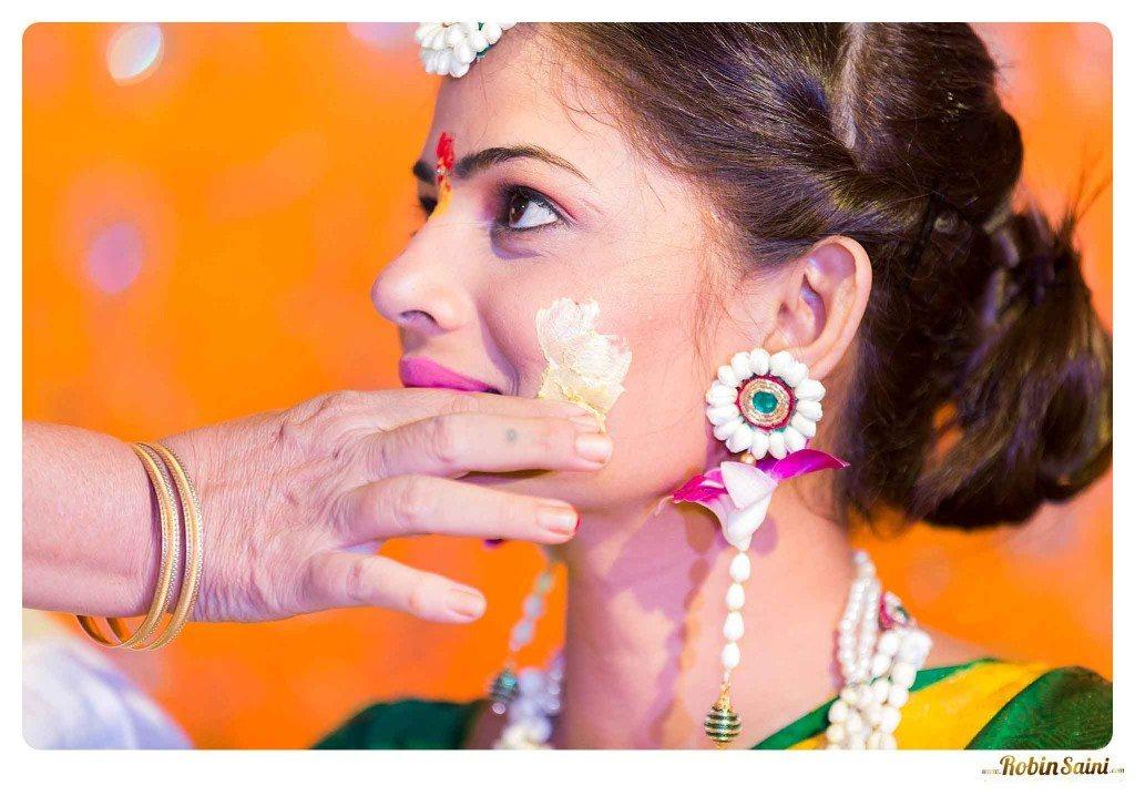 best-haldi-pics-maharashtrian-wedding_065