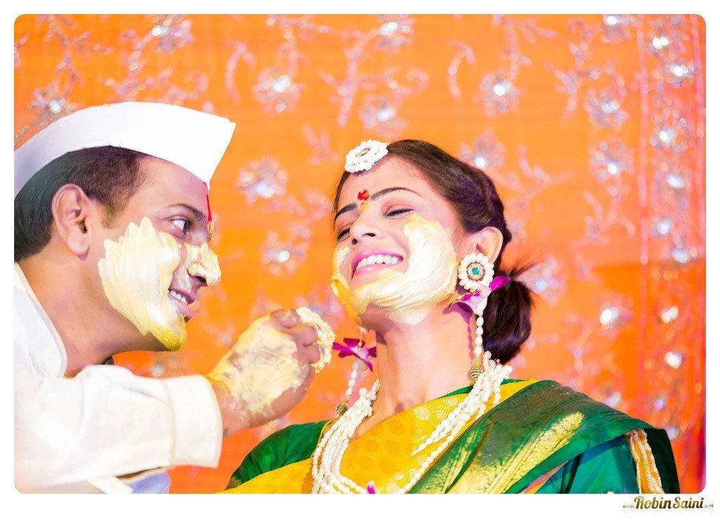best-haldi-pics-maharashtrian-wedding_069