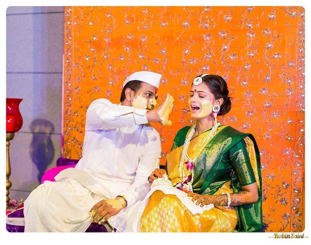 best-haldi-pics-maharashtrian-wedding_070