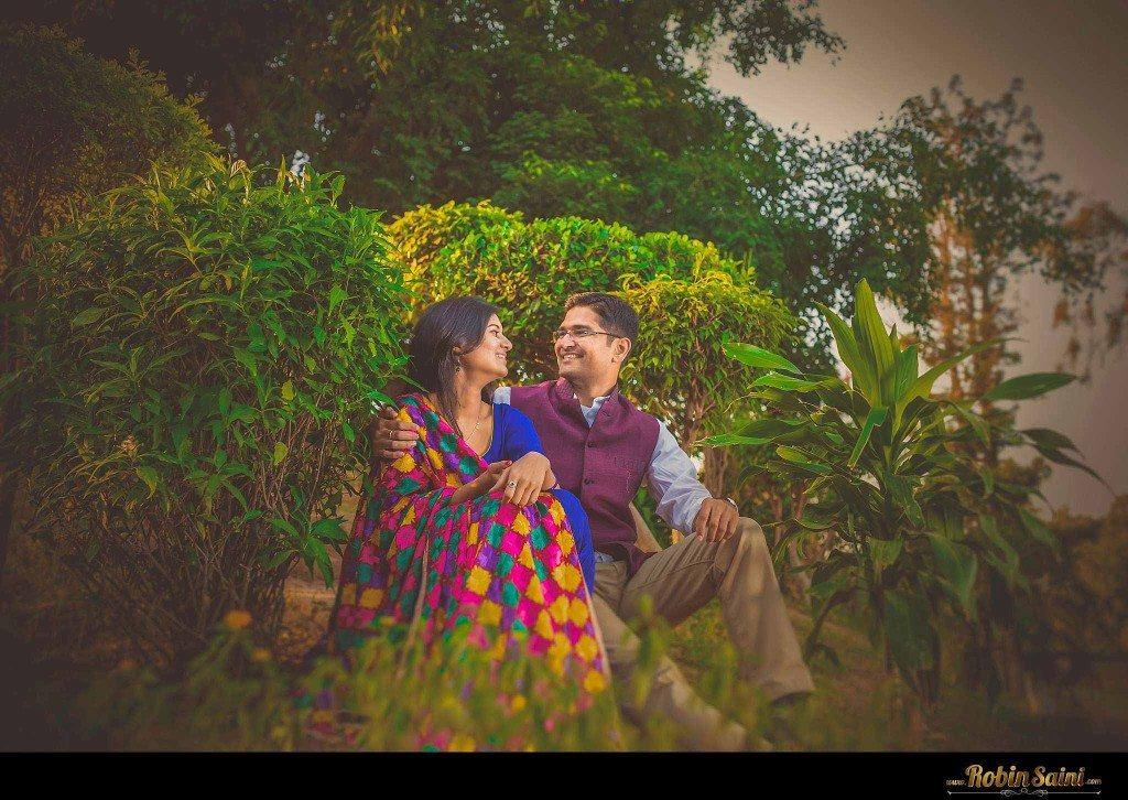Couple-shoot-at-rose-garden-rock-garden013