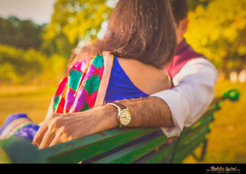 Couple-shoot-at-rose-garden-rock-garden016