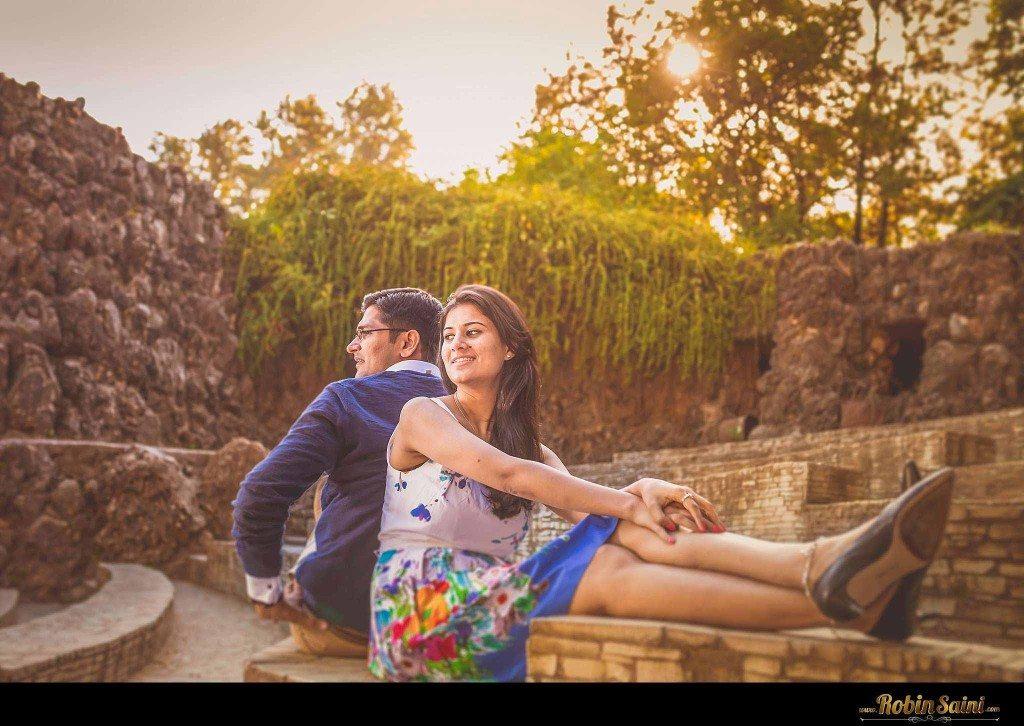 Couple-shoot-at-rose-garden-rock-garden019